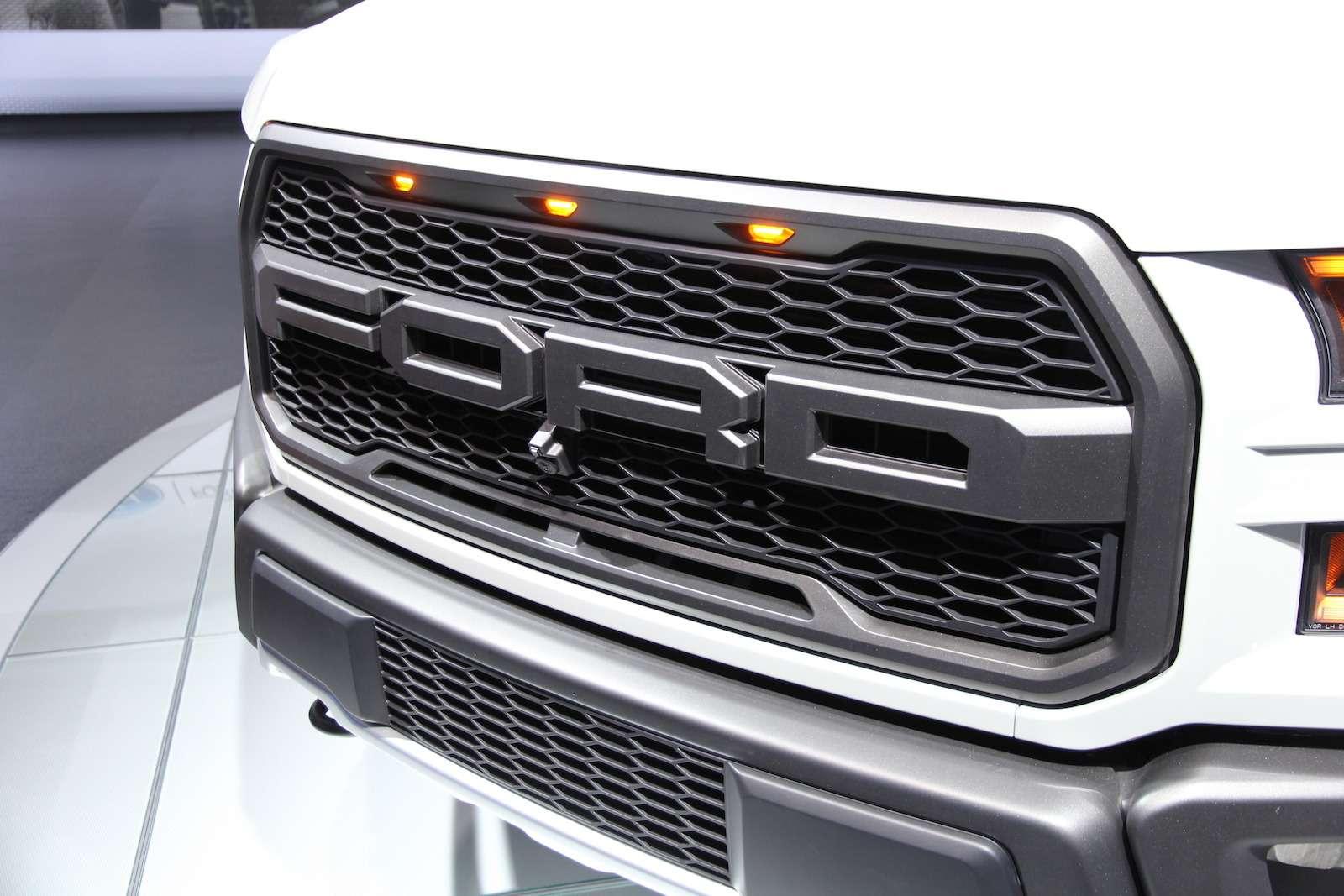 Ford-F-150 Raptor1