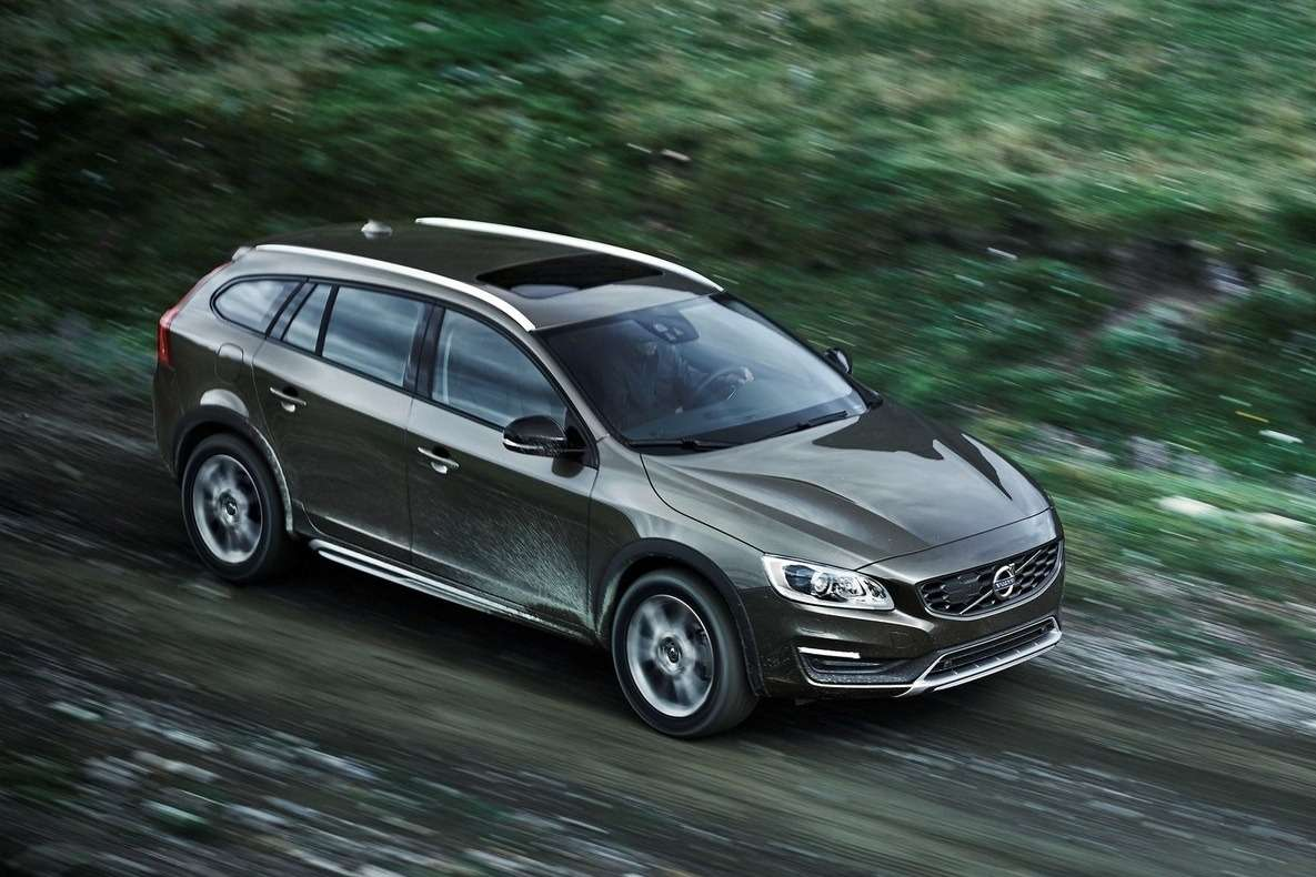 Volvo-V60_Cross_Country_2016_1600x1200_wallpaper_02