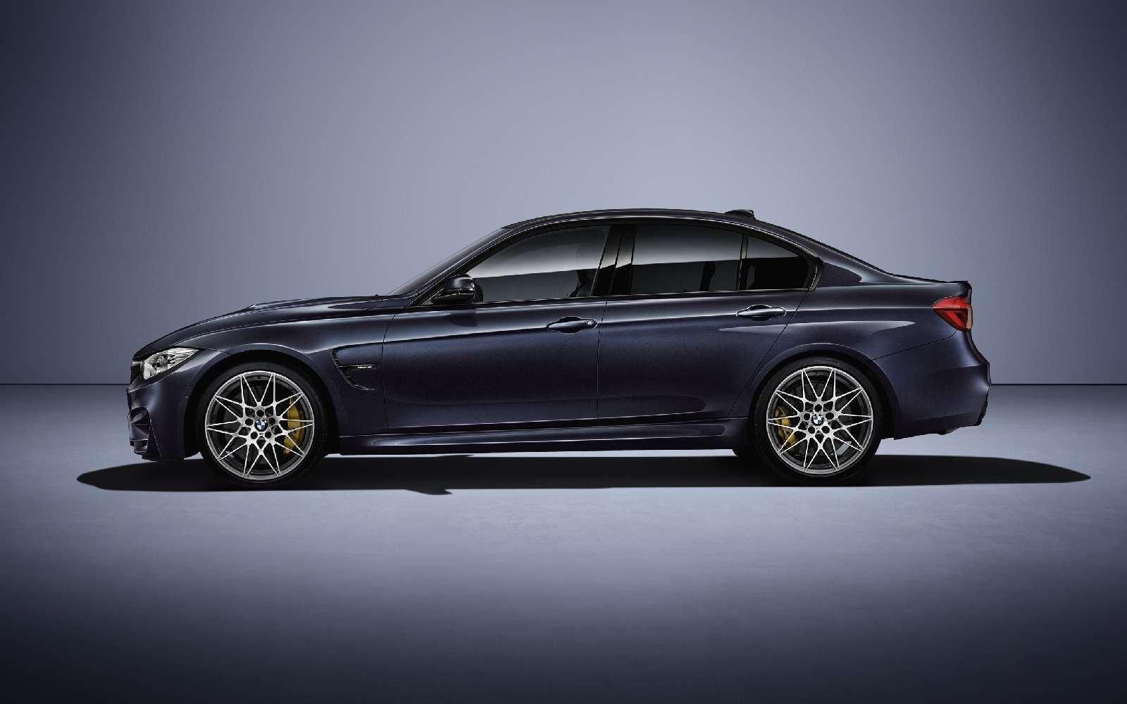 BMWM3отпразднует 30-летний юбилей с«лишними» дверьми— фото 593120
