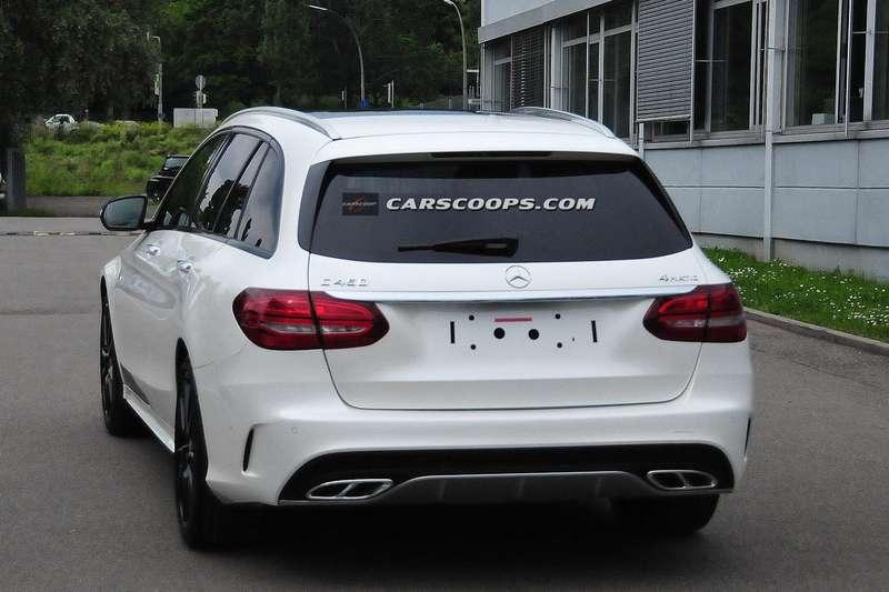 2015-Mercedes-C450-AMG-Sport-2