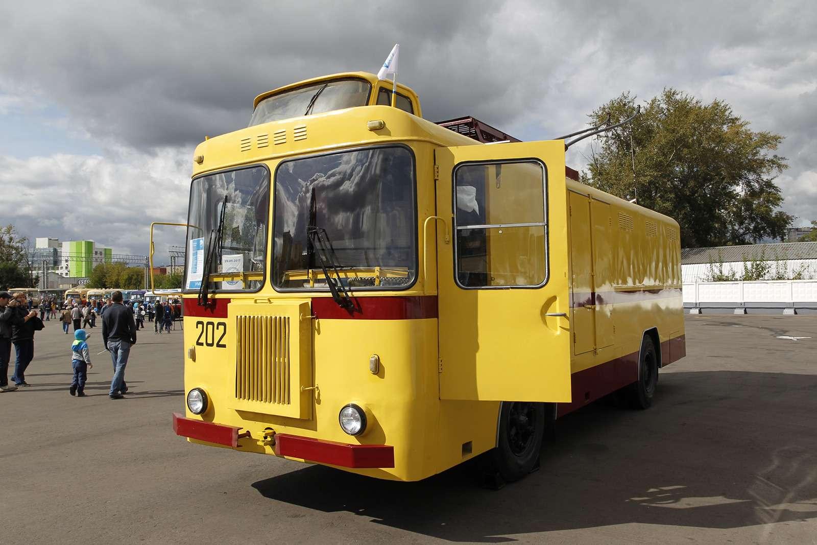 Автобусы нашего детства— выставка пассажирского транспорта— фото 792636