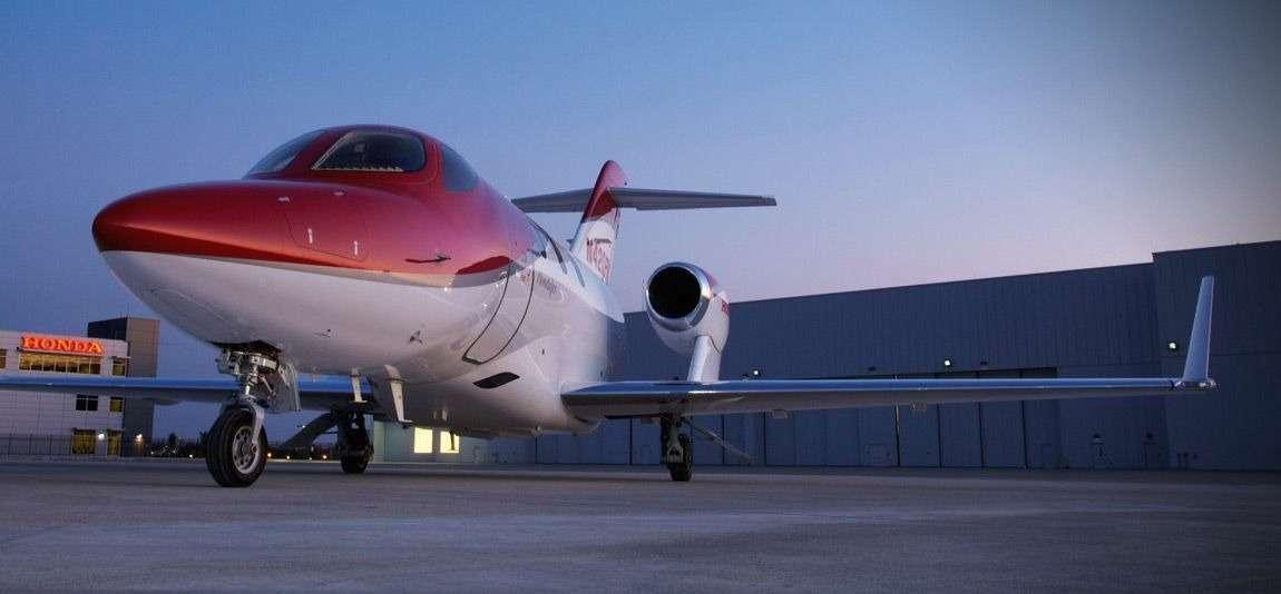 Самолет Honda выполнил первый полет— фото 375310