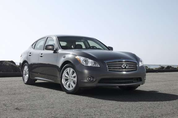 Infiniti M side-front view