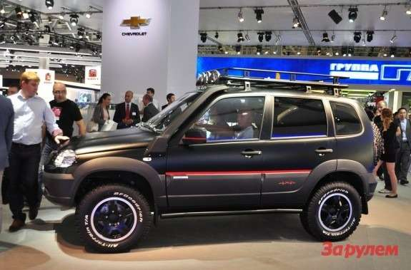 201210031300_chevrolet_niva_no_copyright