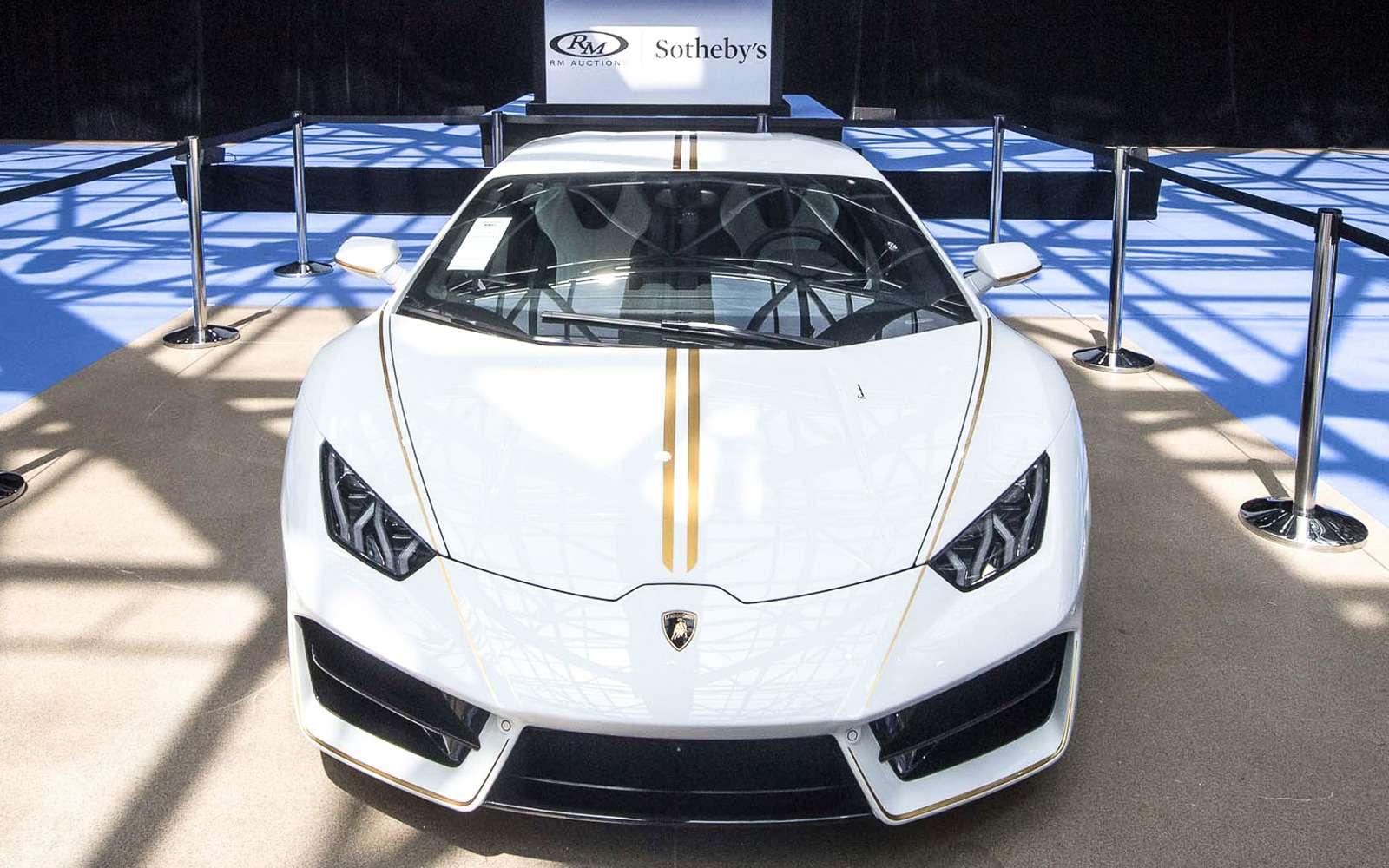 Автомобиль Папы Римского пустили смолотка. Иэто был Lamborghini— фото 870186