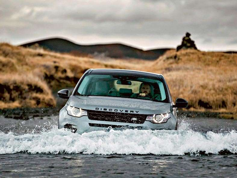 Land_Rover-Discovery_Sport_2015_1600x1200_wallpaper_60