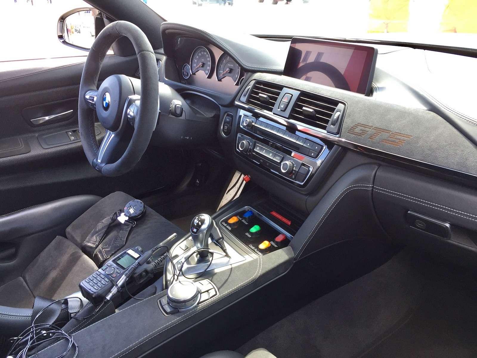 Одни выходные изжизни пейс-кара BMW M4GTS иего пилота— фото 779960