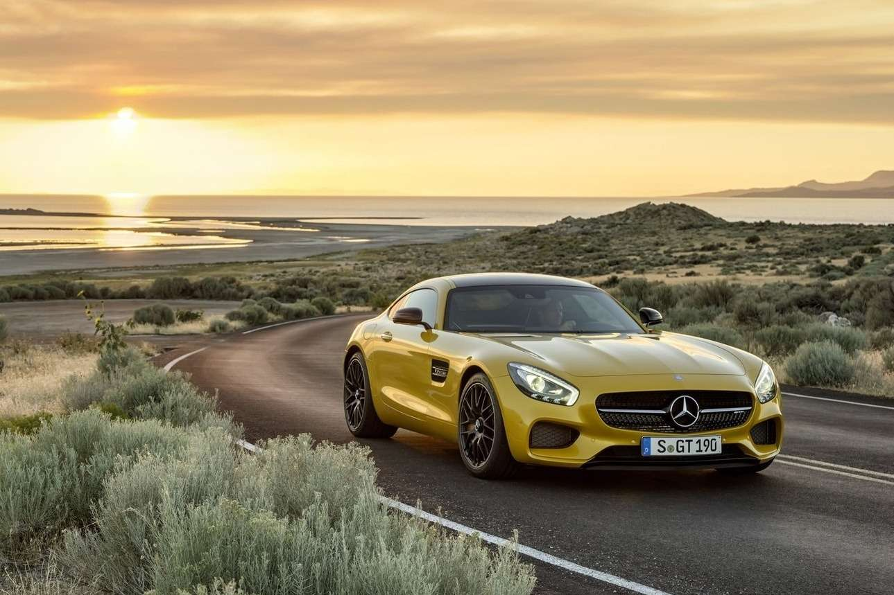 Mercedes-Benz-AMG_GT_2016_1600x1200_wallpaper_01