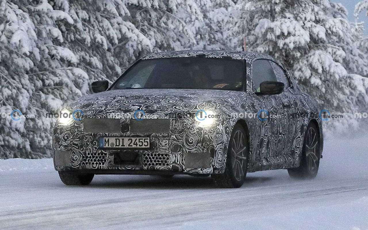 Купе BMW 2-й серии вкамуфляже: фото стестов— фото 1217992