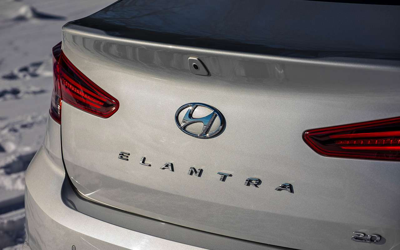 Обновленная Elantra: злое лицо икрутая подвеска. Ноэтого мало!— фото 962742
