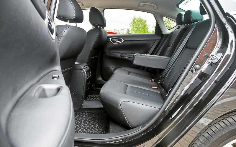 Задние сиденья Nissan Sentra