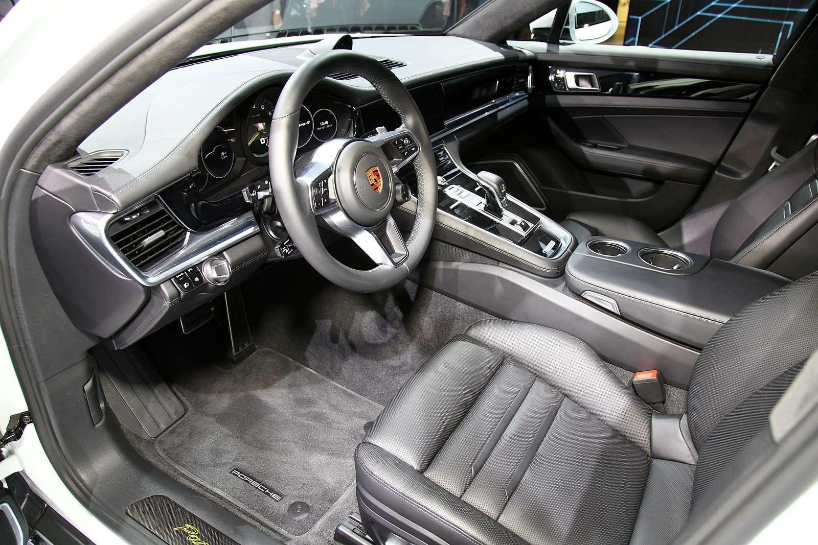 Быстрая немецкая «такса»: длиннобазная Porsche Panamera приехала вЛос-Анджелес— фото 665249