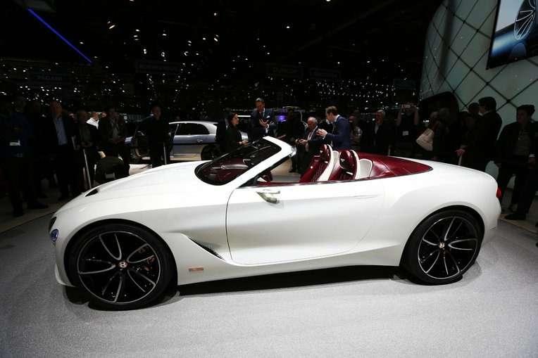 Безвредная красота: Bentley показала родстер EXP 12Speed 6e