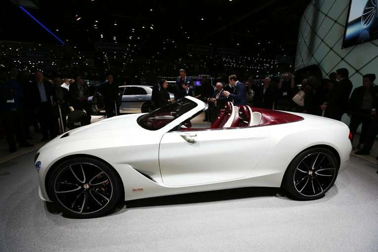Безвредная красота: Bentley показала родстер EXP 12Speed 6e— фото 718238