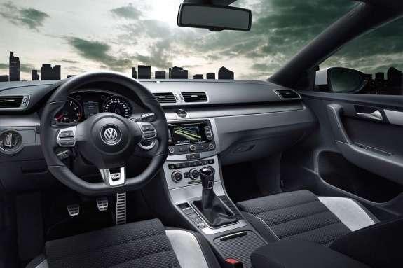 Volkswagen Passat R-Line inside