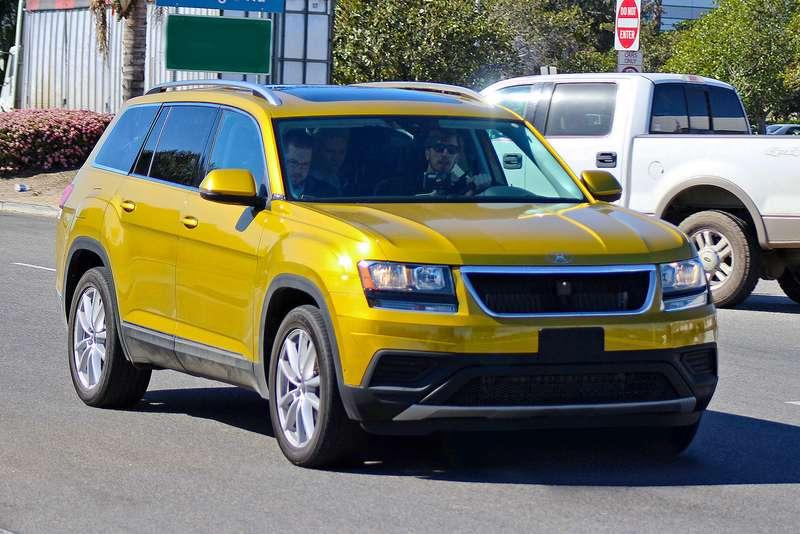 Шпионы засняли предсерийный кроссовер B‑SUV наиспытаниях