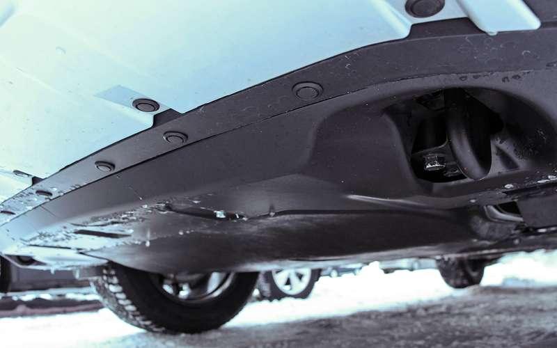 Mitsubishi Eclipse Cross— тест-драйв наледовой трассе