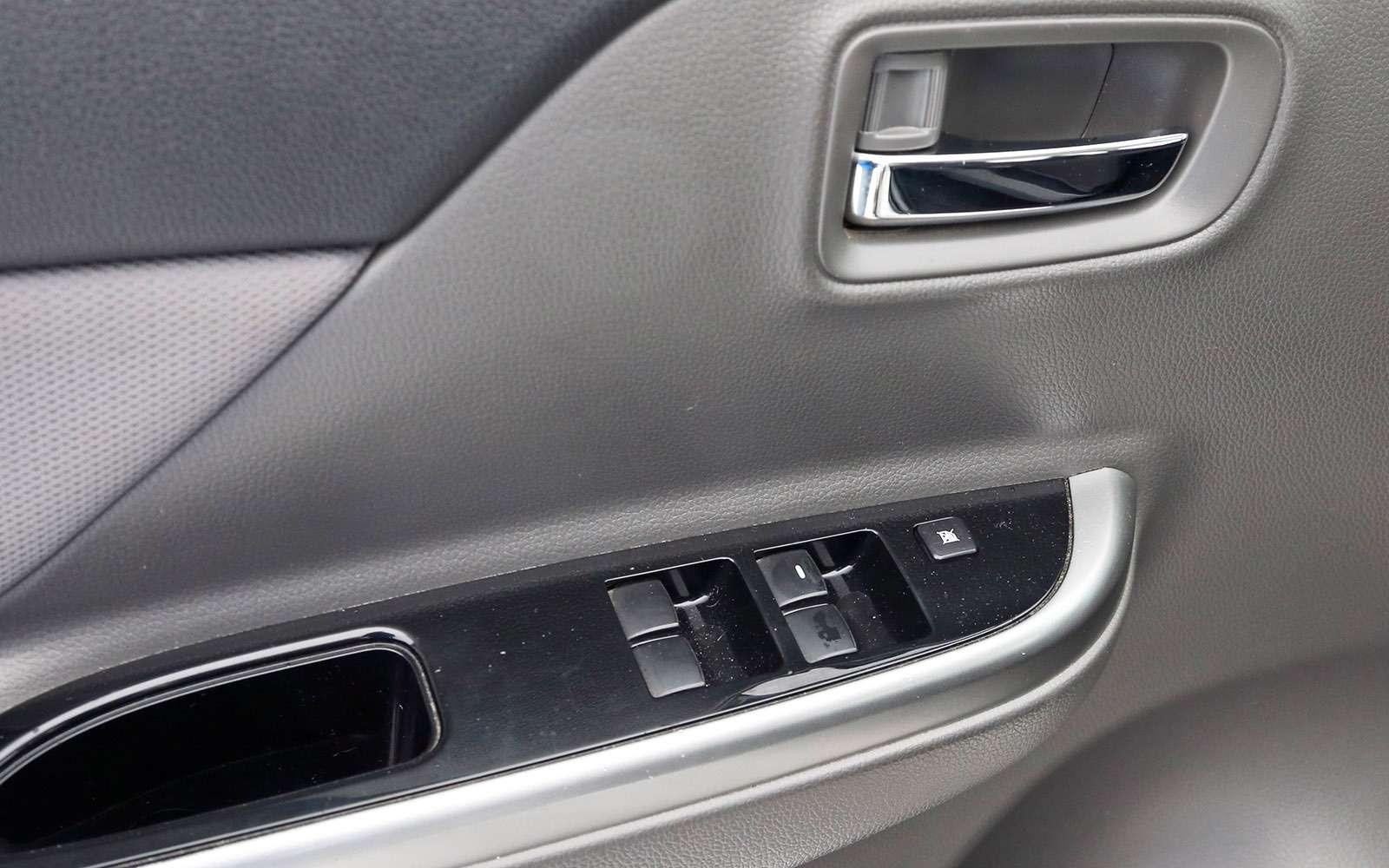 Пикапы Isuzu D-Max, Mitsubishi L200и Toyota Hilux: на«обортаж»!— фото 698456