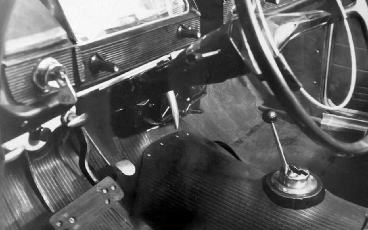 Коробка дляизбранных: кто вСССР ездил надвухпедальных машинах— фото 1248185
