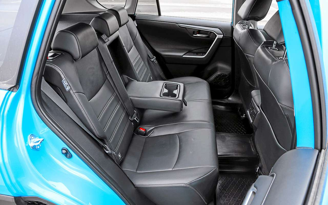 Новый Toyota RAV4, Forester иOutlander: большой тест кроссоверов— фото 1057736