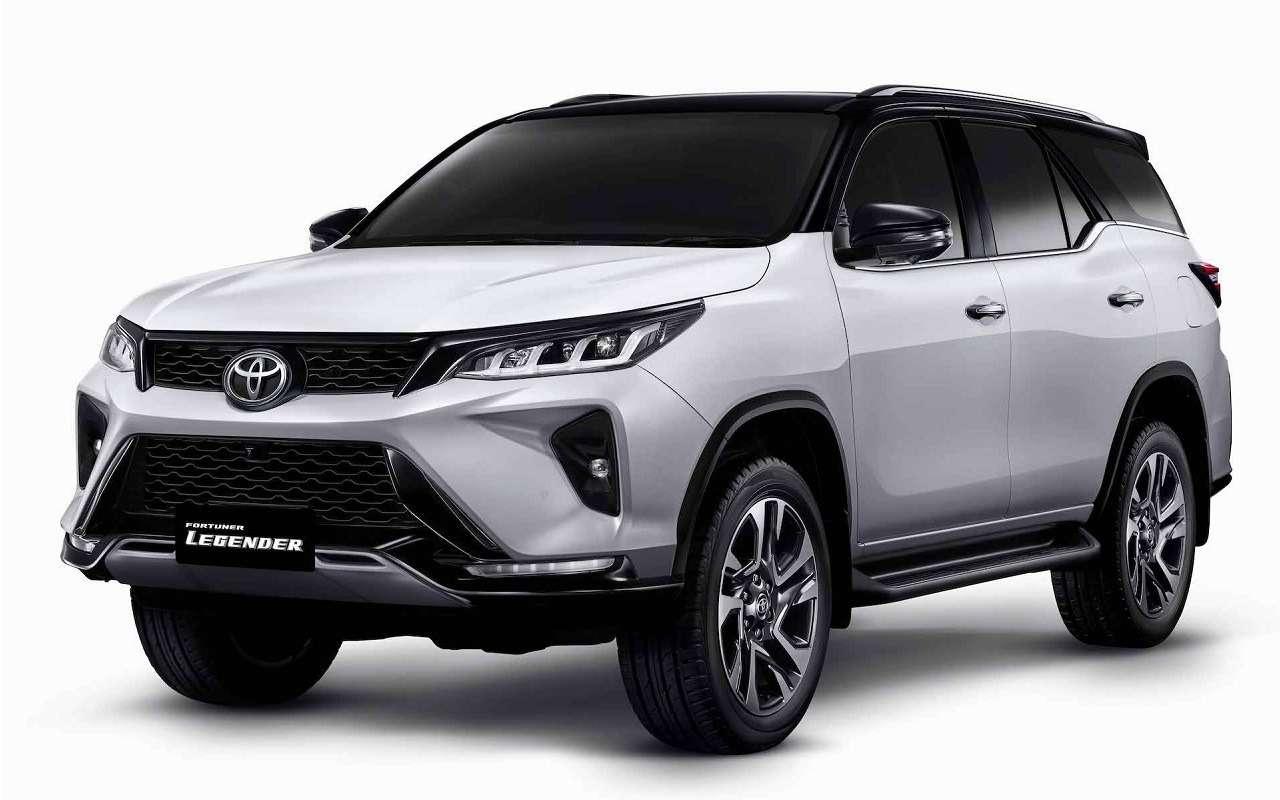 Toyota представила обновленный Fortuner— фото 1138269