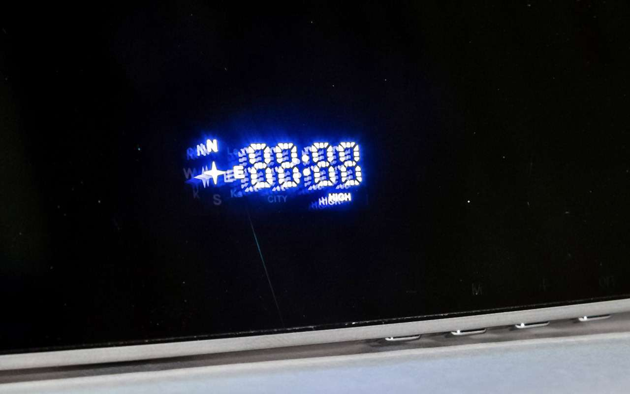 Классический или ввиде зеркала— какой видеорегистратор срадар-детектором лучше— фото 966783