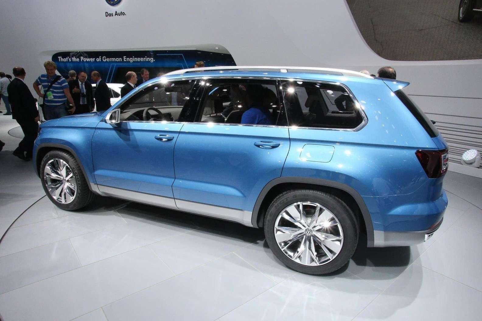 Volkswagen CrossBlue Concept side-rear view_no_copyright
