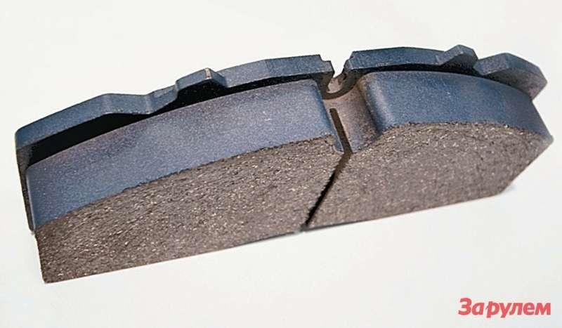 Прорезь наповерхности фрикционной накладки предназначена дляотвода продуктов износа