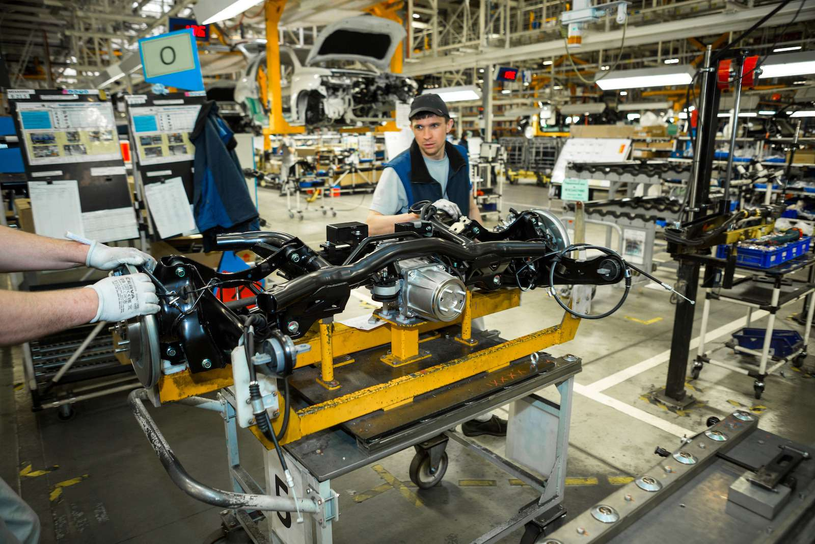 Почему локализованные вКалуге автомобили недешевеют— фото 573407