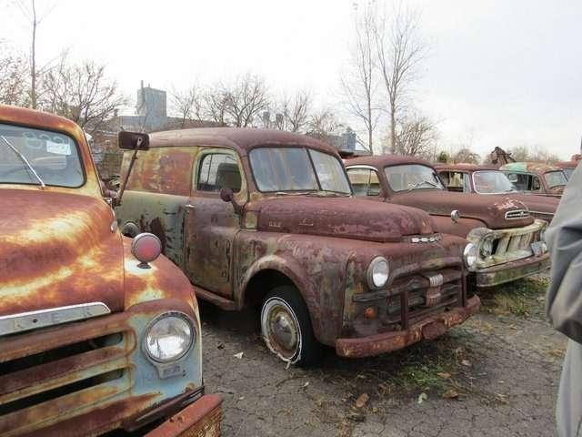 Бывший дальнобойщик решил продать свою коллекцию из700 машин— фото 702182