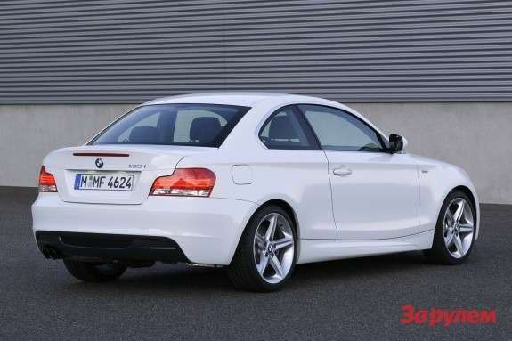 BMW135i Coupe rear view
