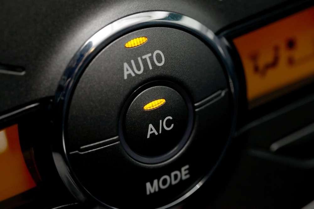 Какие опасности таит всебе запах нового автомобиля?— фото 644172