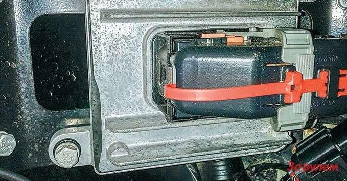 Great Wall Hover Перепрограммировать модуль управления двигателем через диагностический разъем нельзя, нужно подключаться напрямую.