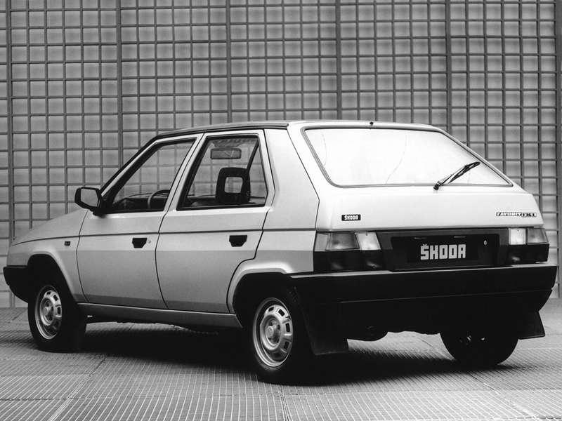 Skoda Favorit 136L скузовом Bertone, 187— 1994гг.