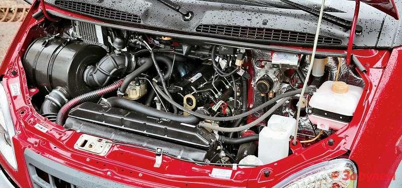 Двигатель Cummins работает тихо, служит долго ибезотказно, масло изнего не сочится, помпа нетечет