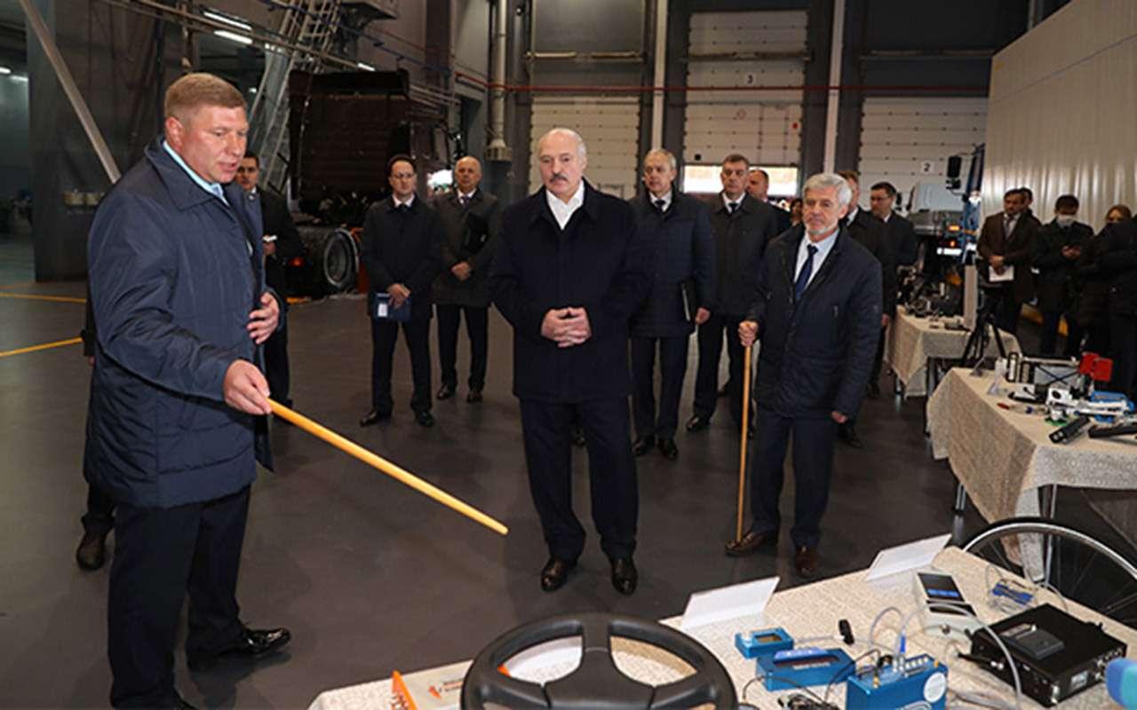 В Беларуси все будет электро: кабриолет, вертолет, скутер, заливщик льда— фото 1121166