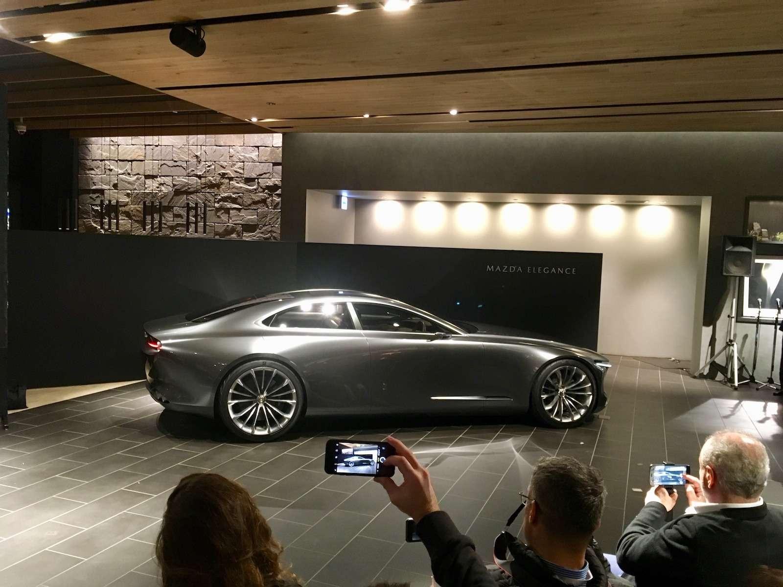 Больше света: Mazda представила обновленную дизайн-концепцию— фото 808877