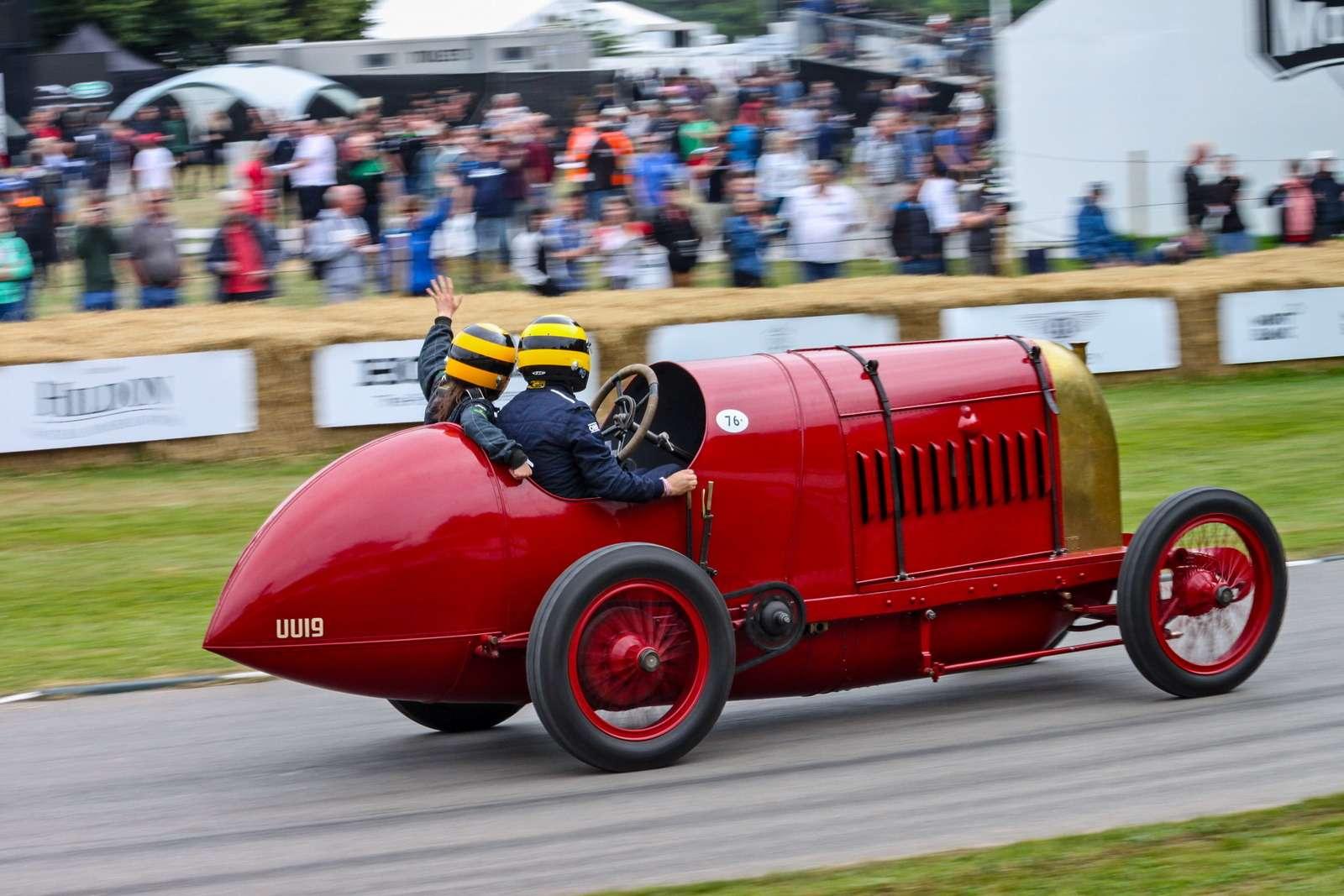 Лучшее автомобильное шоу вмире. Репортаж сФестиваля скорости— фото 780609