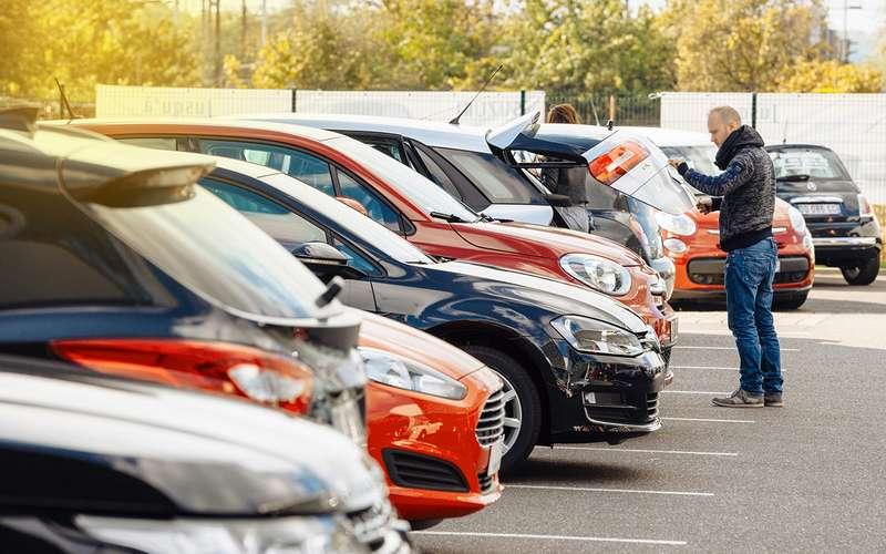 Хёндай  Solaris стал самым продаваемым автомобилем сентября вПетербурге