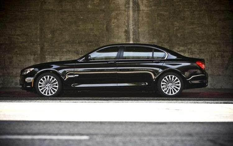 BMW750Li_no_copyright