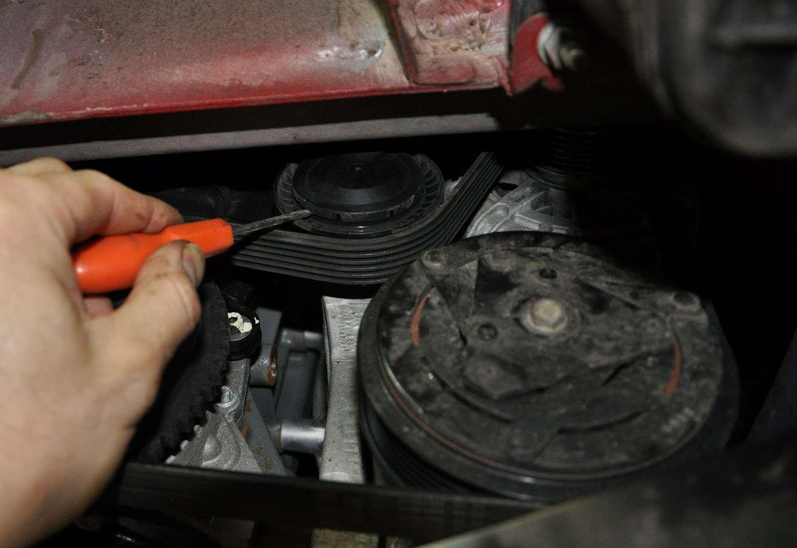 Lada Vesta: проверка изамена ремня привода вспомогательных агрегатов— фото 568369