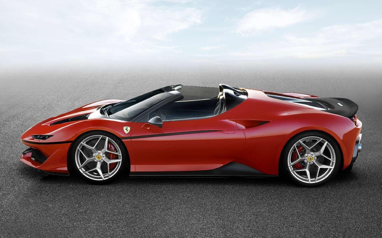 Япония вдохновляет: Ferrari представила юбилейную таргу J50— фото 677908