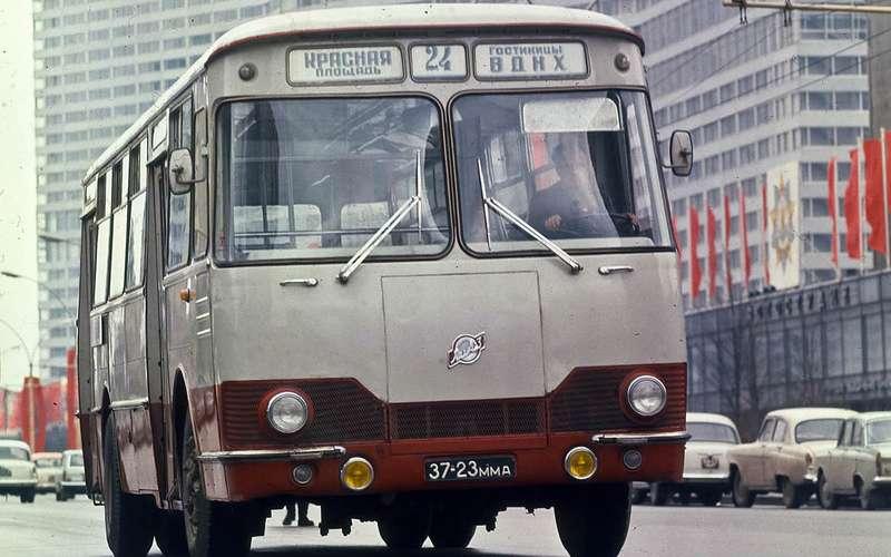 Автобусы изСССР— серийные иэкспериментальные