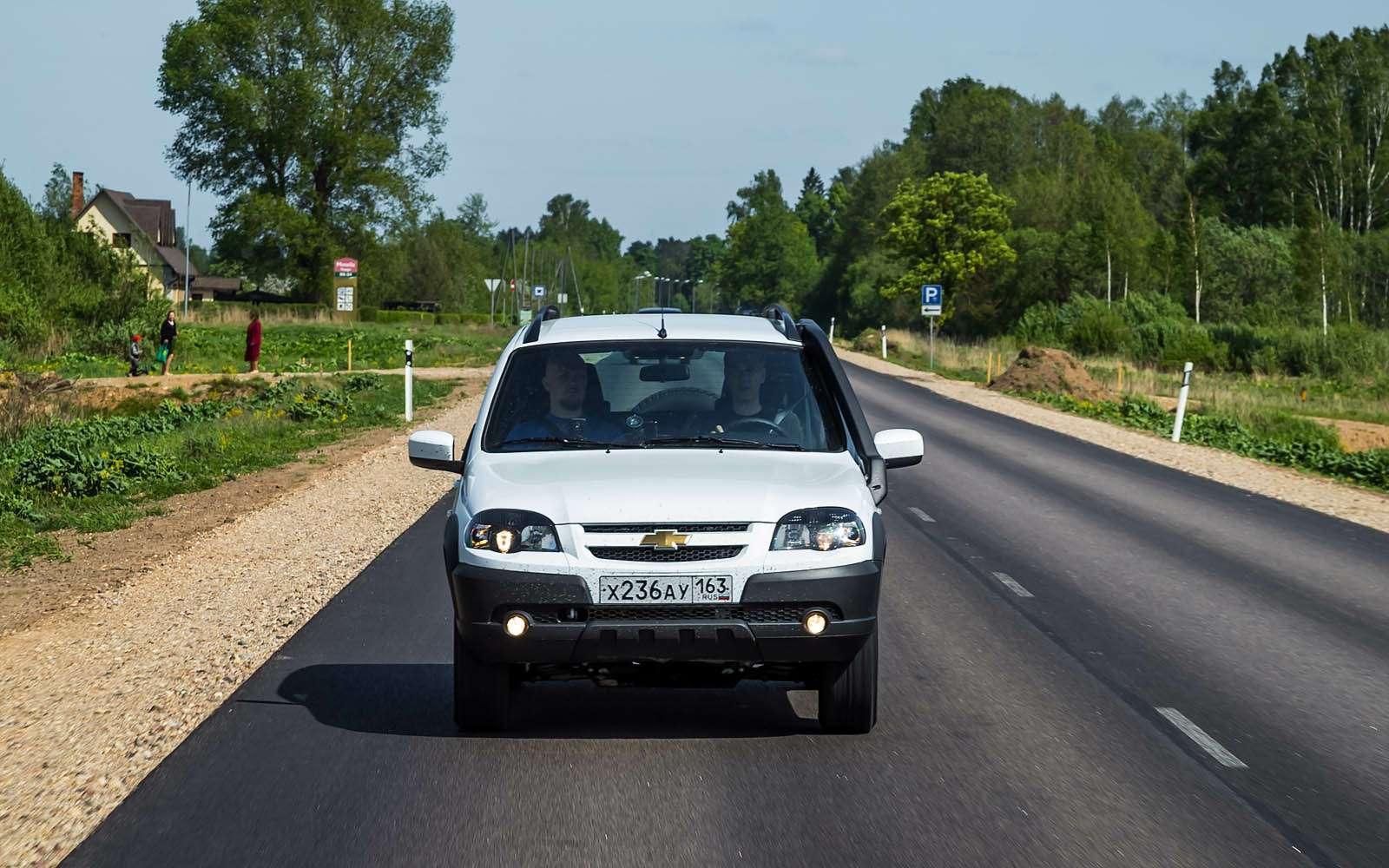 Chevrolet Niva: 10000 километров замесяц— фото 603199