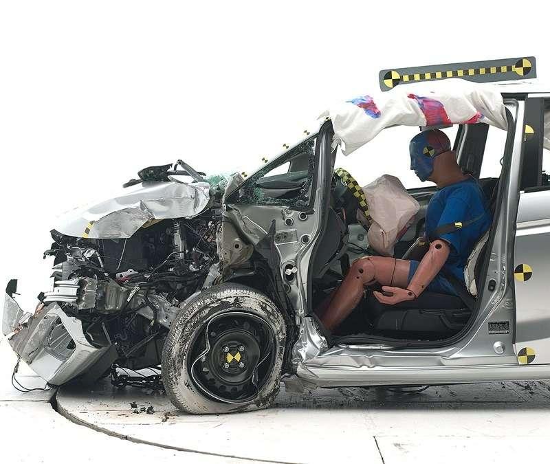 Honda Fit/ Jazz совторой попытки преодолела краш-тест смалым перекрытием