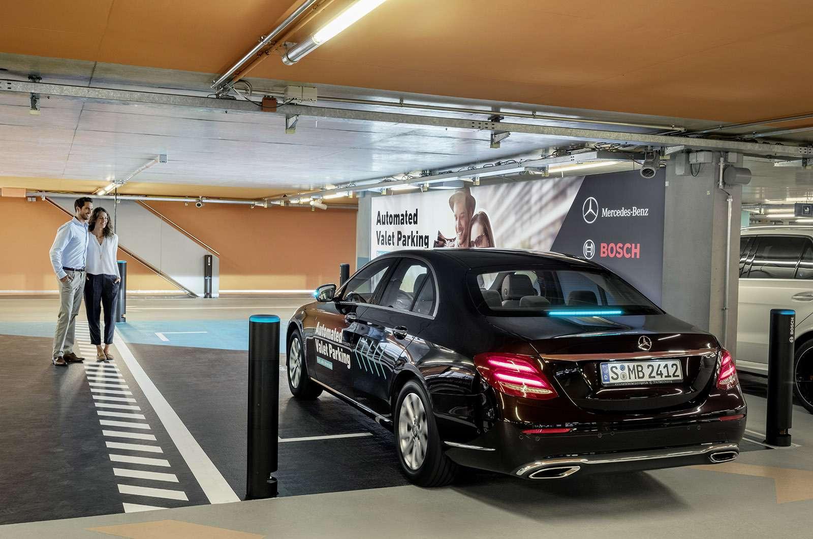 Водитель ненужен: Daimler сделал паркинг будущего— фото 778369