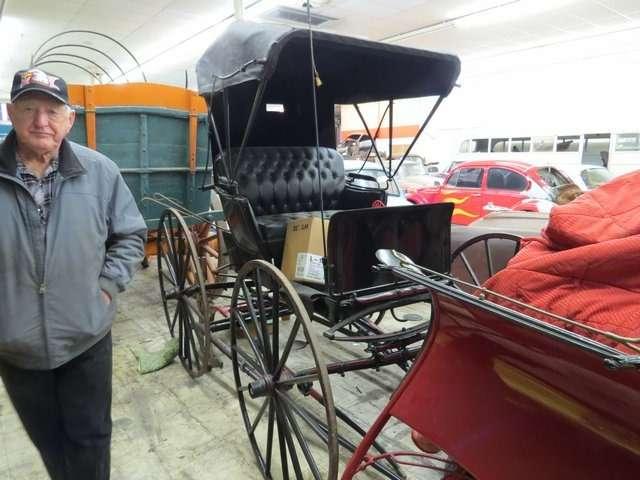 Бывший дальнобойщик решил продать свою коллекцию из700 машин— фото 702185