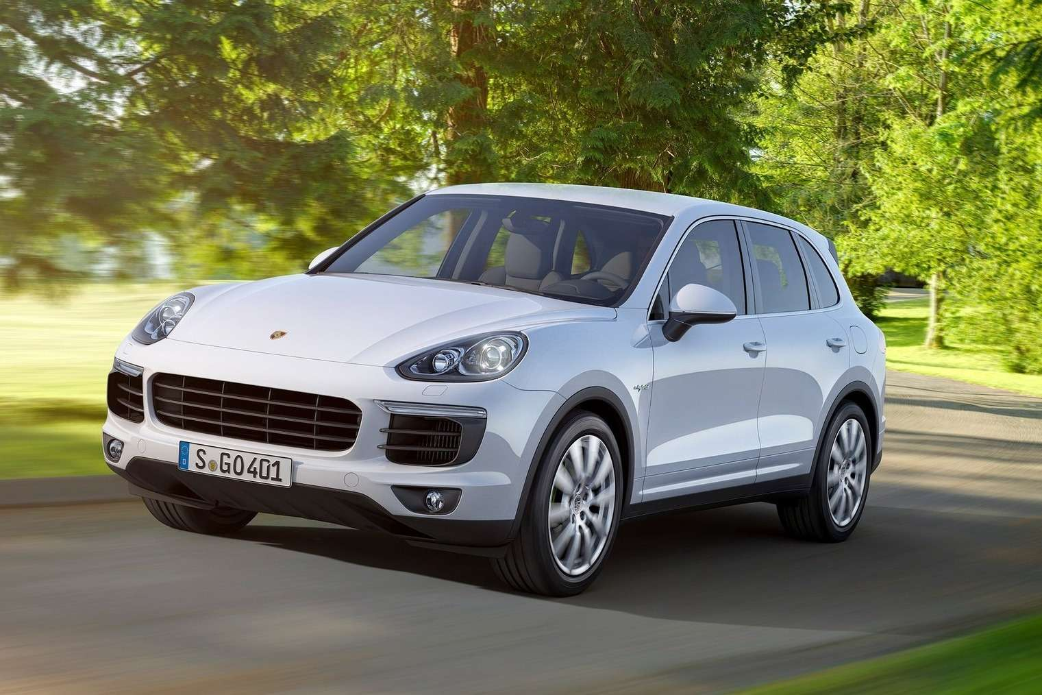 Porsche-Cayenne_2015_1600x1200_wallpaper_04