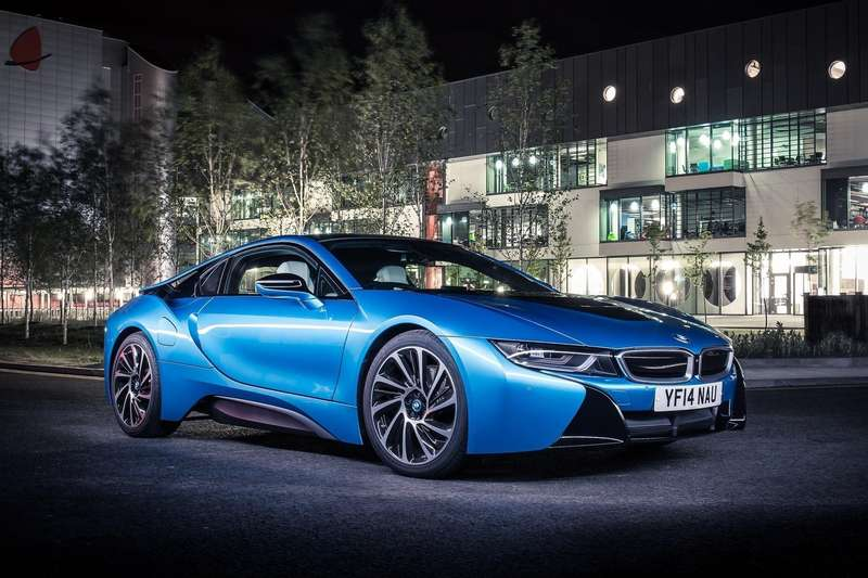 BMW-i8_2015_1600x1200_wallpaper_01