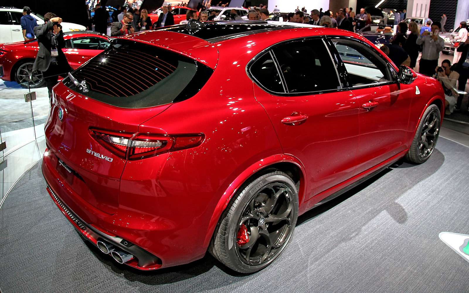 Сила духа: встречайте кроссовер Alfa Romeo Stelvio!— фото 665103